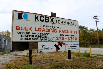 Nov. 6, 2013 | KCBX Terminals Co., a subsidiary of Koch Industries, is the largest petroleum coke stockpile terminal in southeast Chicago. Petroleum coke, or 'petcoke', is the byproduct of refining heavy tar-sands oil. (Photo/Emily Brosious)