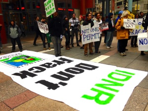Demonstrators rally against fracking outside the Illinois Department of Natural Resources in Chicago. (Photo/Emily Brosious)